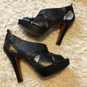 Steve Madden Black Leather Platform Heels Size 9